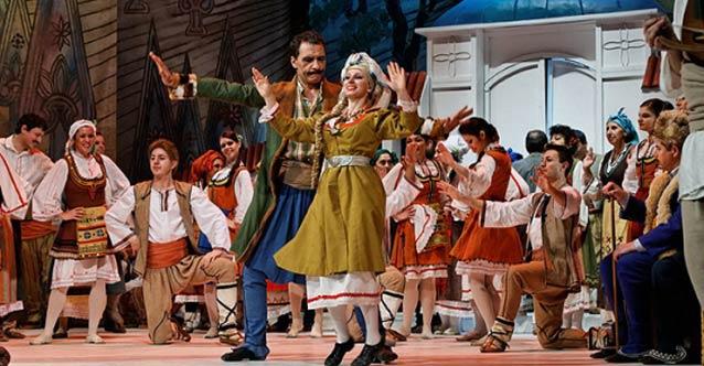 Сцена от Луд гидия (Варненска опера)