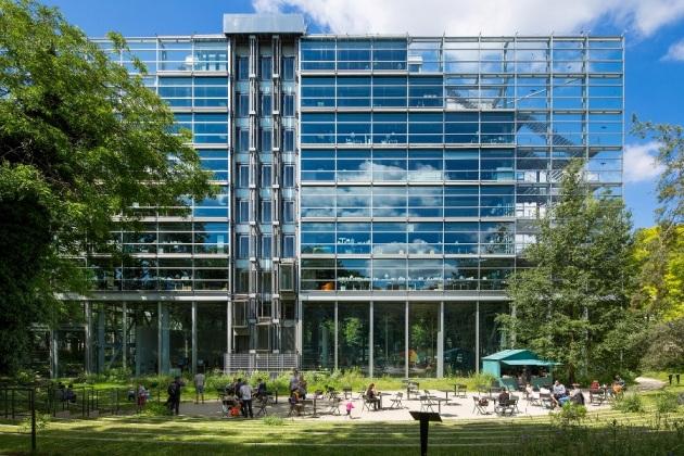 """Сградата на фондация """"Картие"""", Париж"""