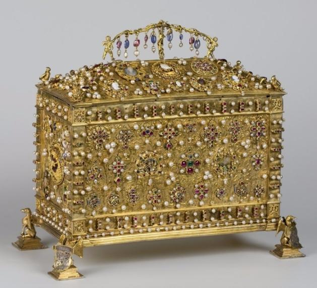 Златна кралска кутия
