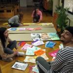 Подготовка на изложба в отдел Изкуство