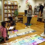 Със студенти в отдел Изкуство